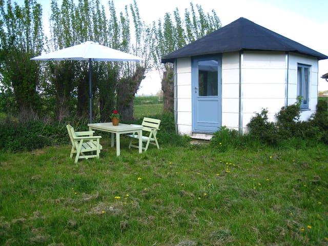 Den hvide hytte på Skarø