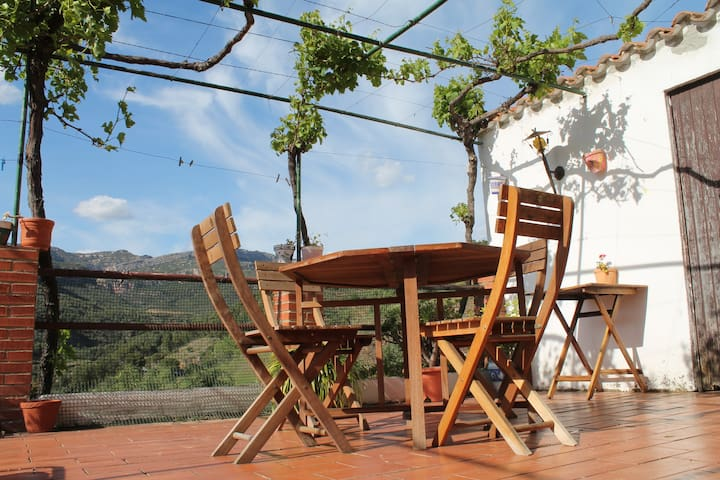 Large village house with terraces - La Vilella Alta