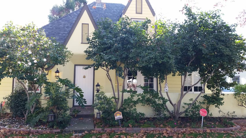 Restored historic home near downtown Sacramento