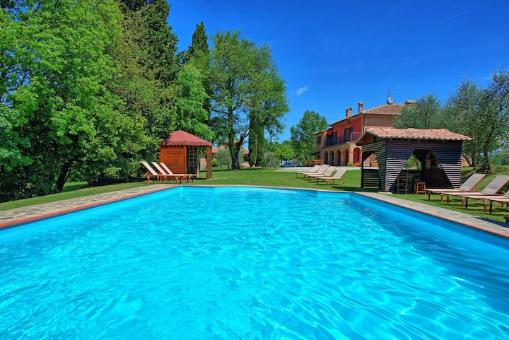 Villa Mario - Country Villa with swimming pool in Valdichiana, Tuscany