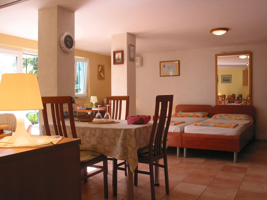 Studio apartman Rogac - beds