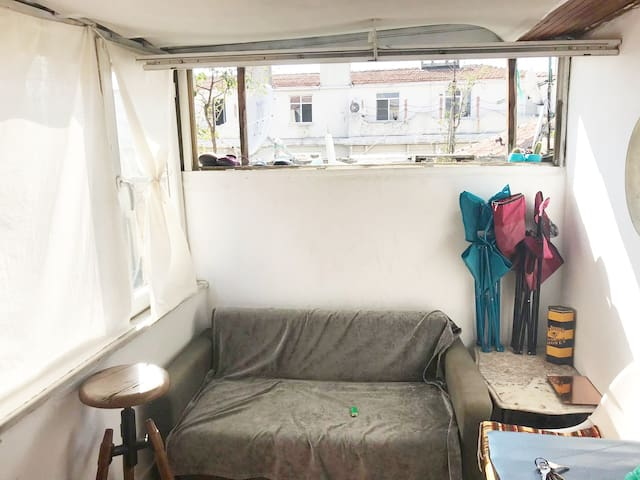 Terrace Tiny House 1+1 - 1 Minute to Galata Tower