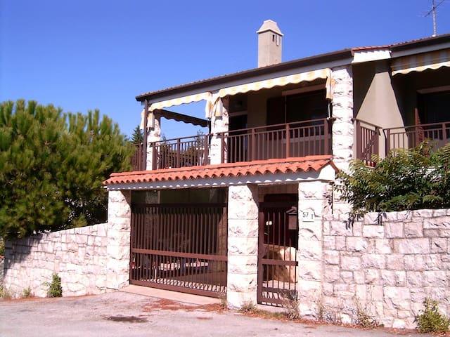Villetta sopra la baia di Sistiana