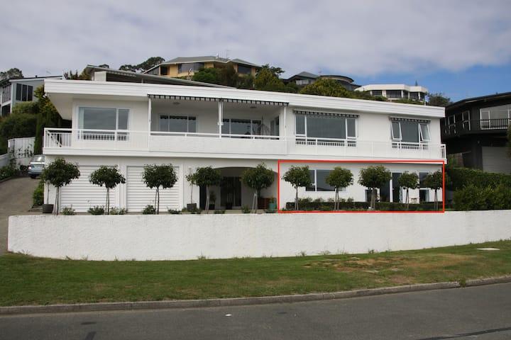 The Cliffs Apartment
