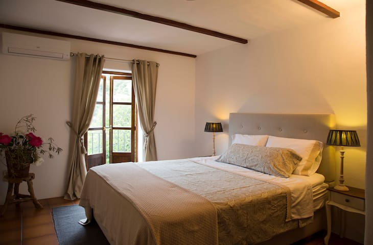 Bed & Breakfast Cortijo La Pura