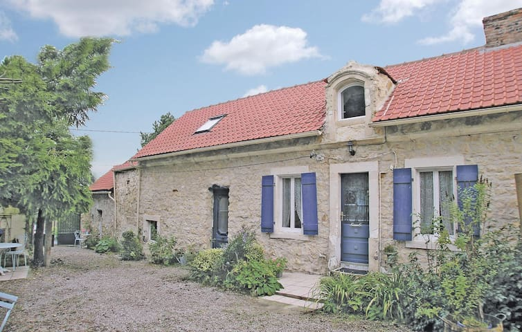 Semi-Detached with 3 bedrooms on 80m² in Marquise
