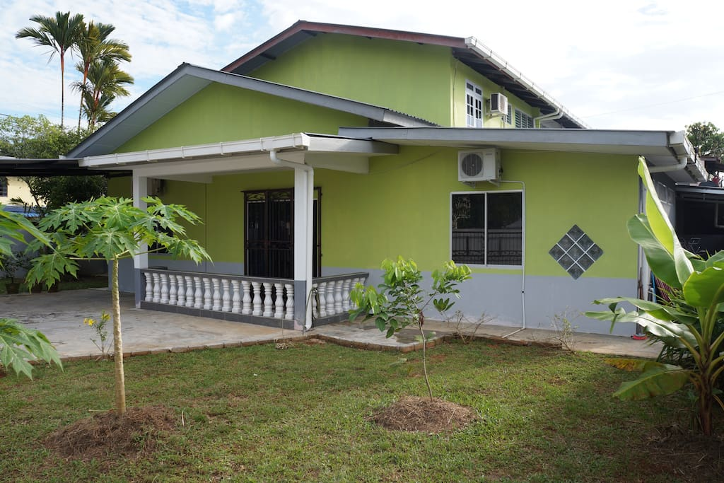 Homestay Petra Jaya 4 Bedrooms Guesthouse For Rent In Kuching Sarawak Malaysia