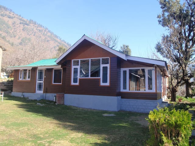 A beautiful home stay near  Manali  - Katrain - Dům