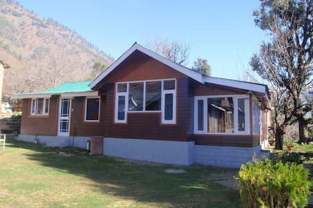 A beautiful home stay near  Manali  - Ház