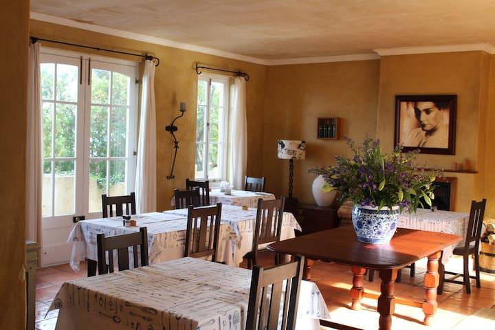 Bucaco Sud  Guest House , B & B - Betty's Bay - Bed & Breakfast