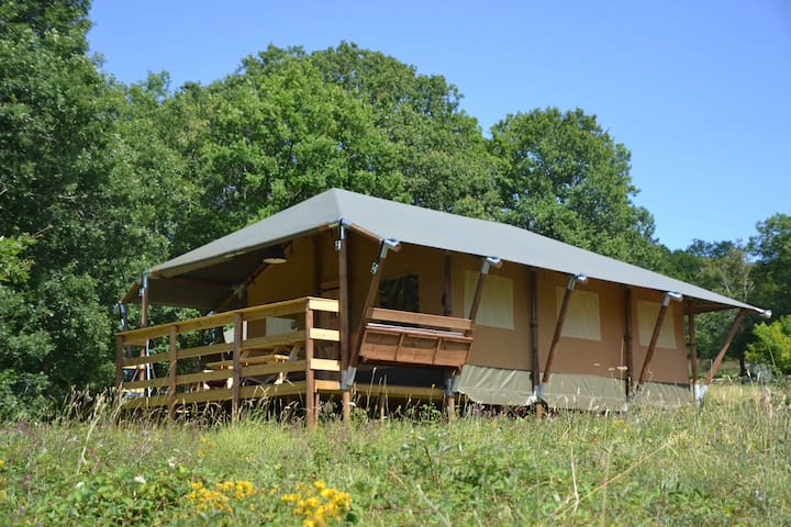 "4 person Glamping Lodge (""Chesnut Lodge"")"