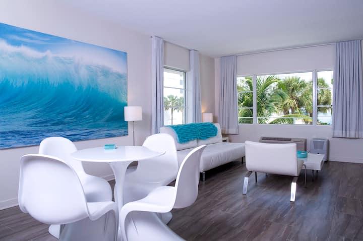 Aqua One Bedroom + sofabed M