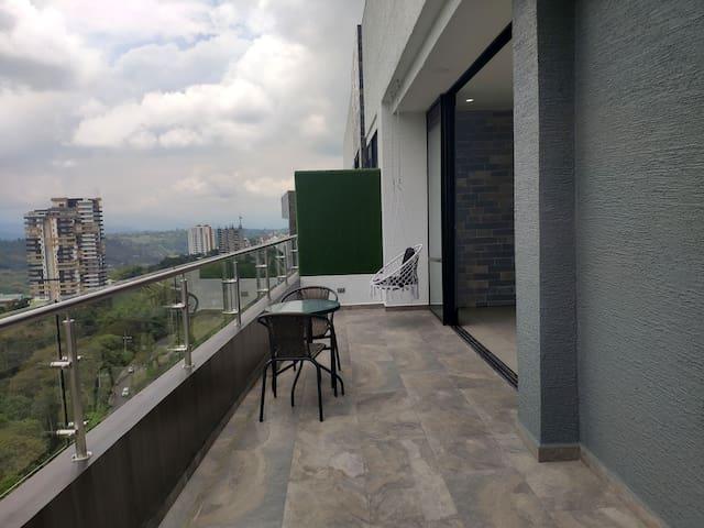 TOP Floor Highrise + Pristine Views + 2 Balconies