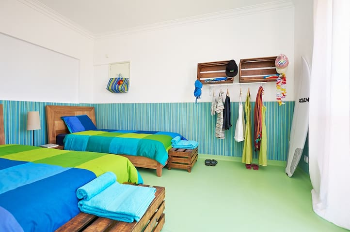 THE COMMUNITY twin room with sea view