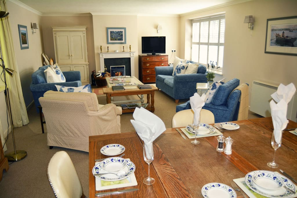 The cottage is beautifully furnished, earning a 5-star rating from the Cornish Tourist Board