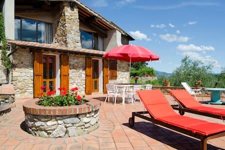 Cosy Farmhouse near Florence: free wifi, terrace - Rignano sull'Arno