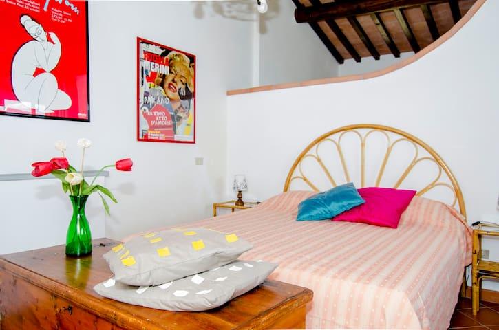 Double bed sleeping area