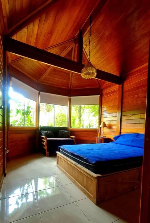 Uma casa de campo para se isolar com conforto