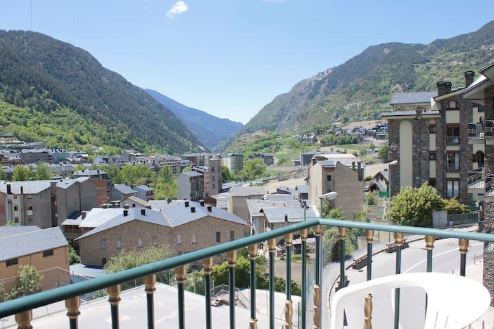 Apartamento WIFI Encamp Andorra Sol y Vista .