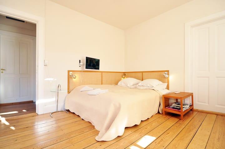 120 m2  artist flat on Vesterbro