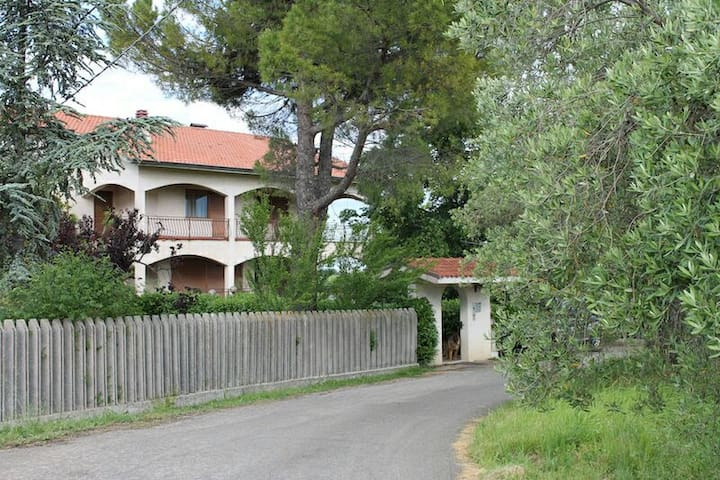 Mare e Monti b&b - Arielli, Abruzzo, IT - Huis
