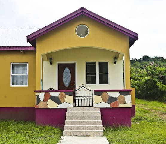 One bedroom guest house - Potters Village