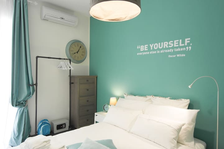 """Room """"Time to be Yourself"""" decorated, 1min to sea - Sliema - Bed & Breakfast"""