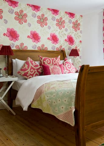 Teardrop Cottage - A luxury B and B - Knaresborough - Wikt i opierunek