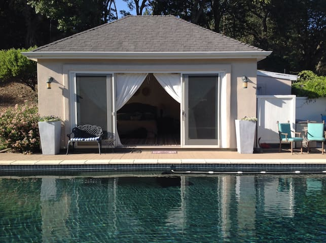 Peaceful Poolside Bungalow-monthly