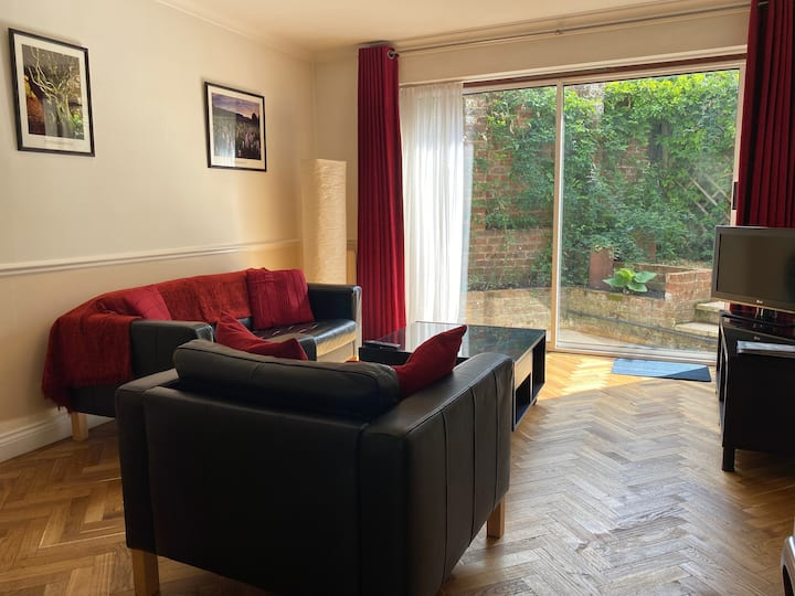central & comfy spacious 1 bed flat