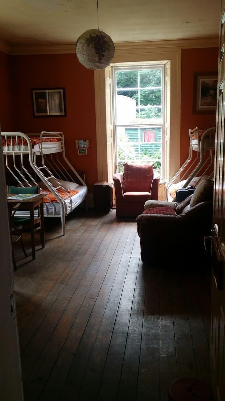 "Connemara National Park ""Room for group of 14"""