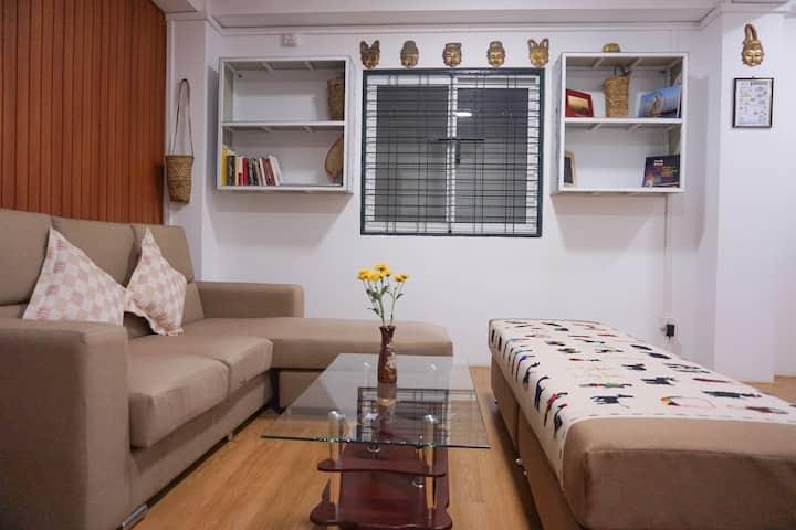 Entire Apartment in Myaynigone