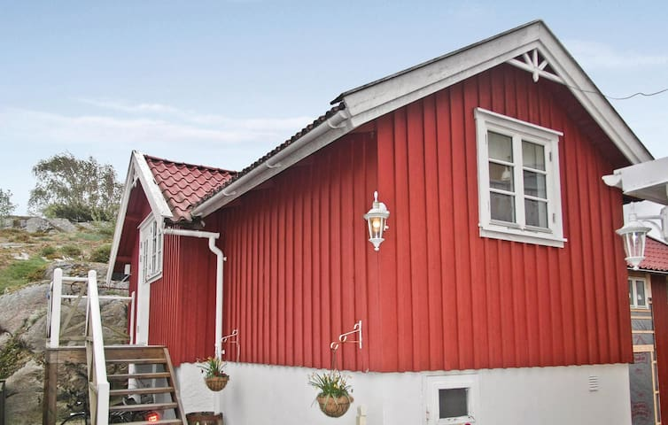 Holiday apartment with 1 bedroom on 32m² in Höviksnäs