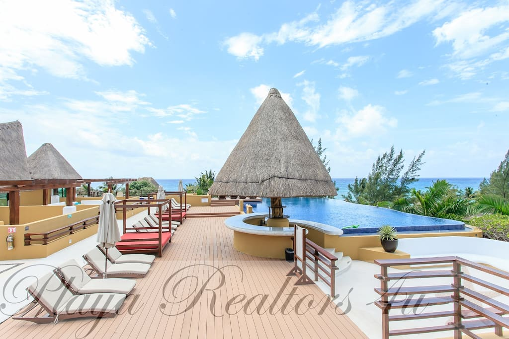 Roof Top Infinity Shared Pool