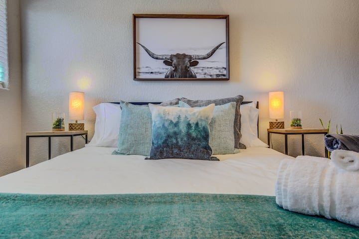 ★☆King bed | Pet friendly | Mountain Views | Safe☆