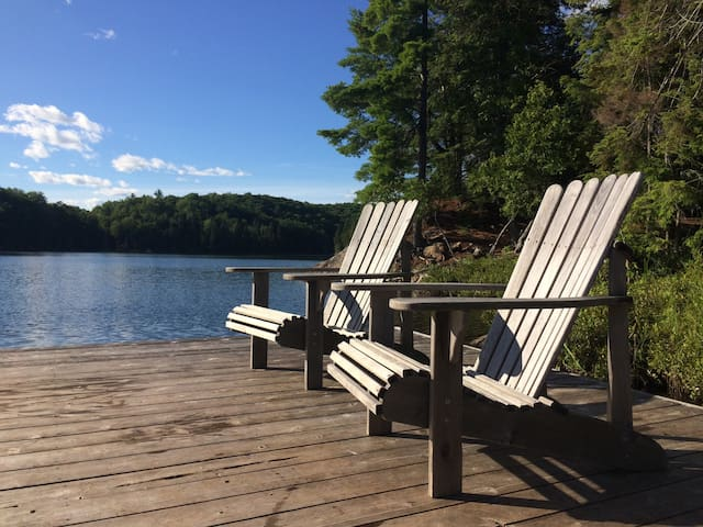 Quiet lakeside family getaway near Mont Ste Marie
