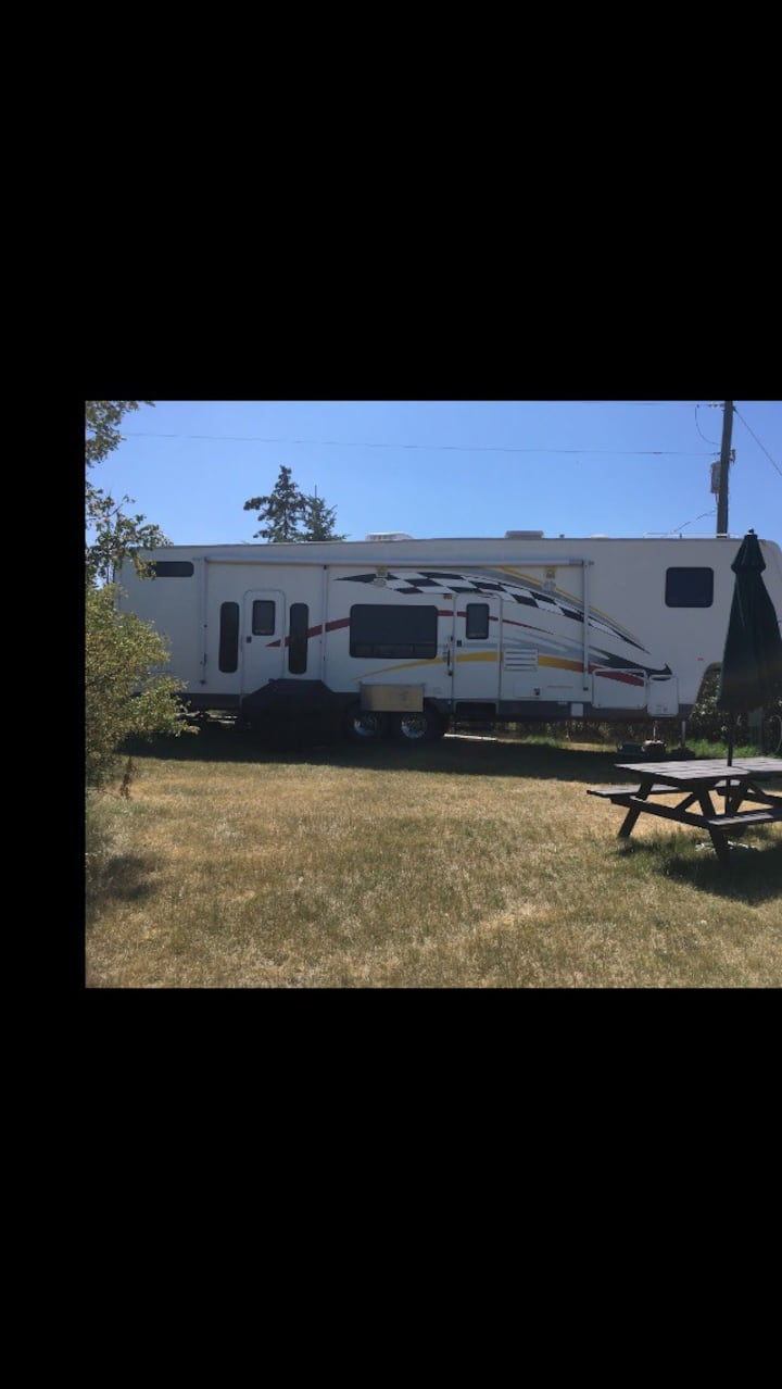 RTR Ranch Rv- Camping in Style