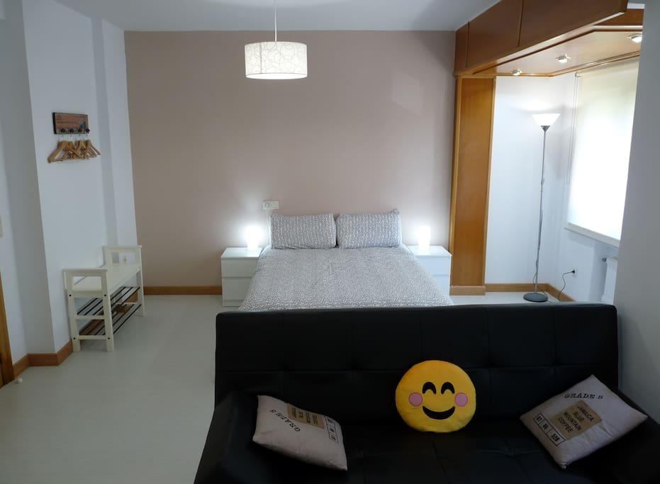 Vista Salón y dormitorio