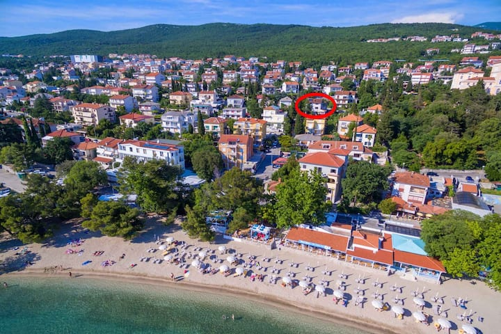 apt for 4+1 pers with WLAN in Crikvenica R96979