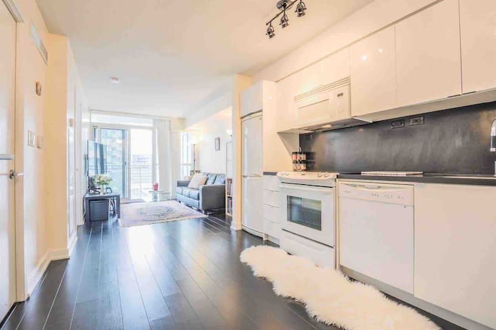 Private 1Bedroom with Balcony! Prime location.