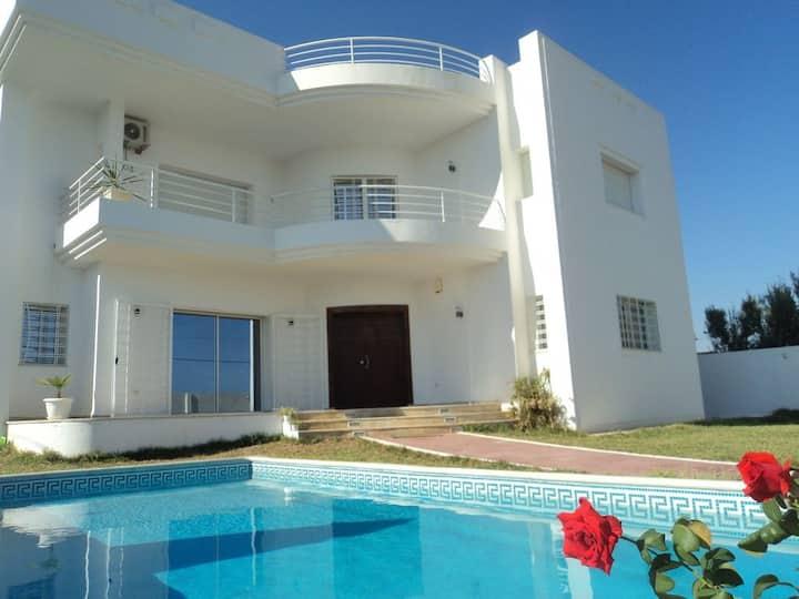 Villa de luxe avec piscine à Hammamet (Tunisie)