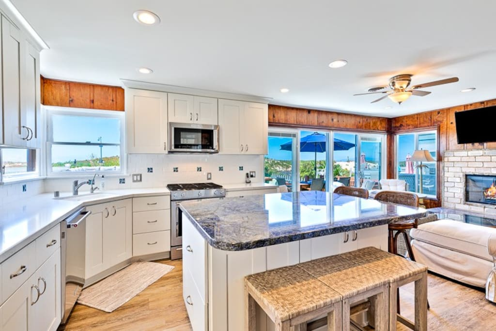Complete with stainless steel appliances and granite countertops, this kitchen will have everything you need to enjoy whipping up a meal and entertaining.