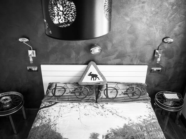 "Detalle habitación ""moto"""