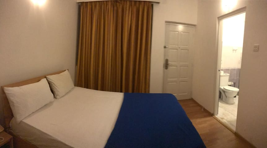 Double room suite at marine drive - Colombo