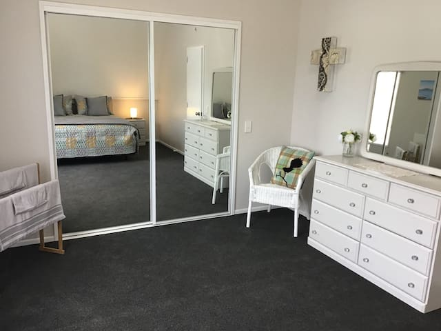 Main bedroom, plenty of space and storage!