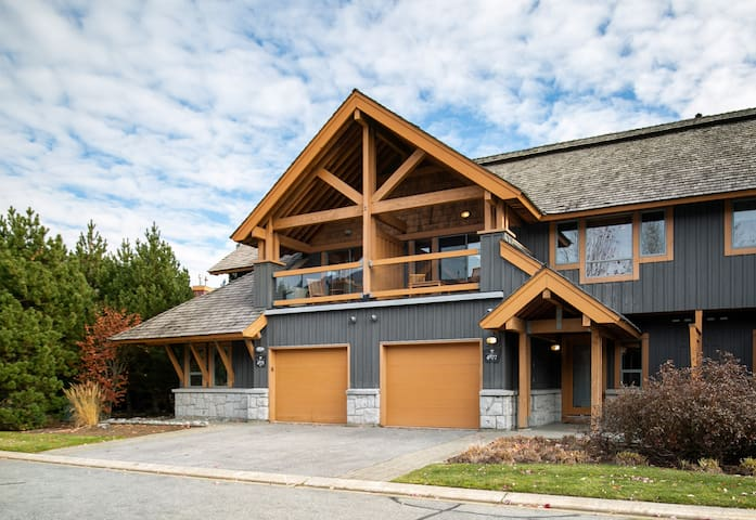 Four Bedroom Whistler Village Home with Hot Tub