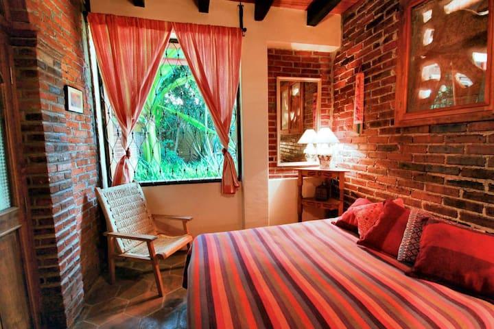 Leoncita Guestroom in Casa Werma Gardens