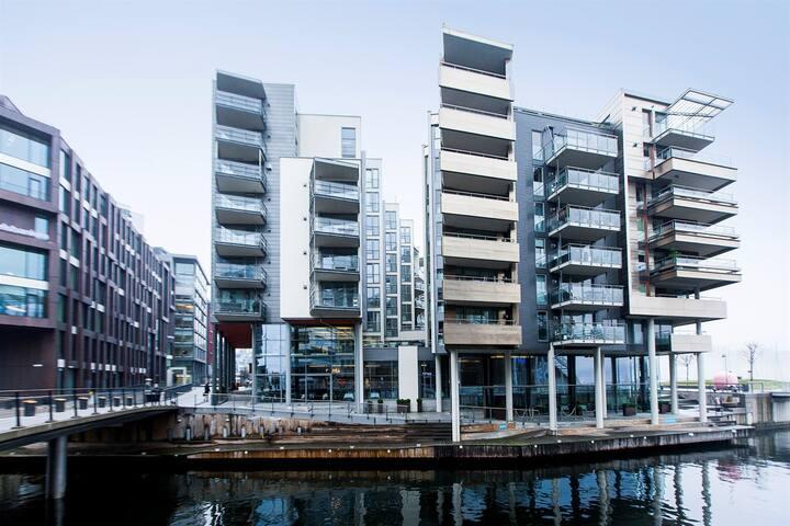 Upscale apt in Oslo's most POPULAR address