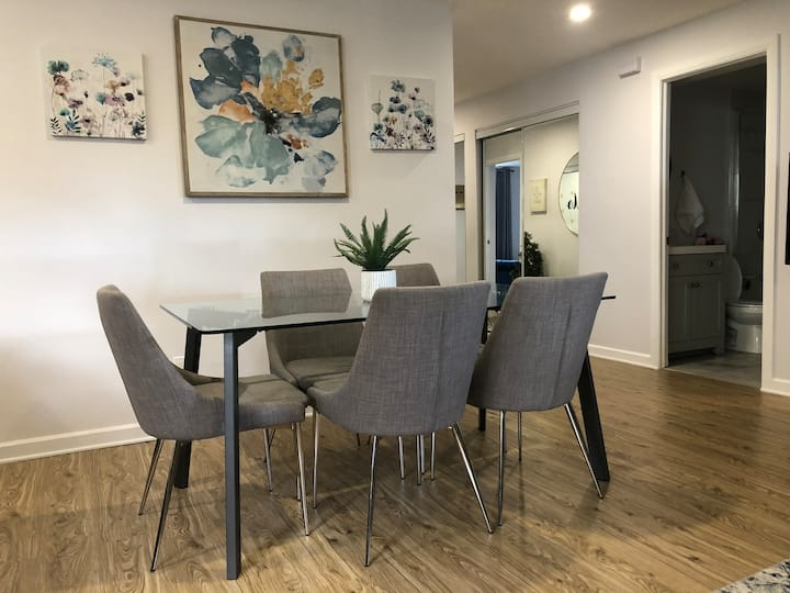 Spacious and Cozy stay - Two bedrooms for 6 guests