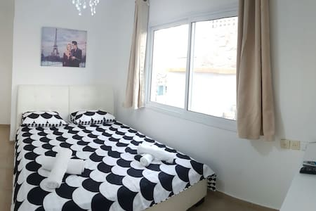 Classic double room with shared bathroom - Eilat